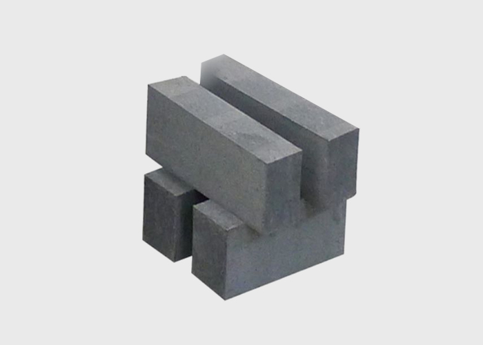 Al2O3-SiC-C bricks are used for iron water bags and torpedo tanks